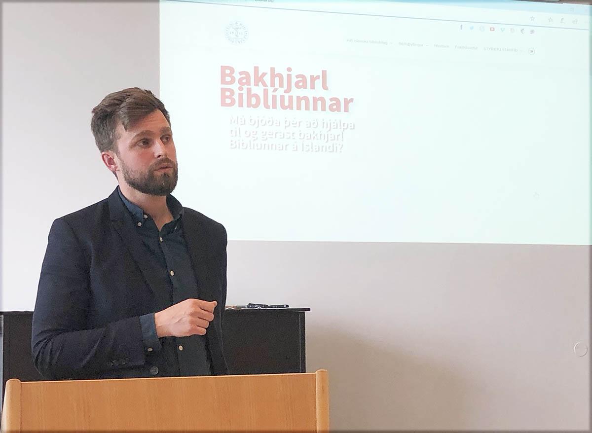Séra Grétar Halldór í ræðupúlti á aðalfundi 2020